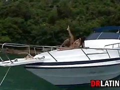 Le A putain de bateaux