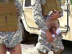 Обнаженная геев парень военное медицинского обследования и весело военным доктором Служащих Другим