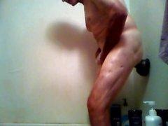 Pelaa suihkussa