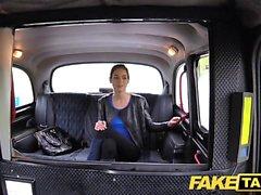 Fake Taxi Rusos coño peludo tetas naturales