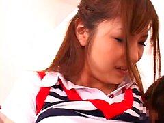 Pompino giapponese adolescente sauna