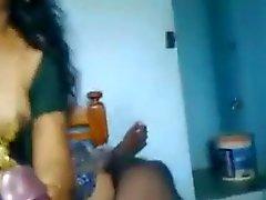 le Tamil filles marié baiser nehibour