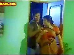 Telugu Aunty saftiga tuttar suger