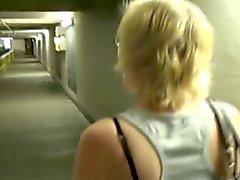 Steffi - Schwanzgeil im Parkhaus