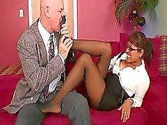 Bir busty Sekreter Patronlar Coc Takes ...