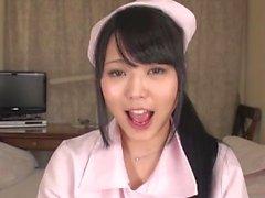 A boca da garota japonesa e a inspeção de dentes 2