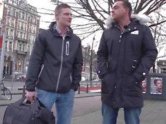 Breasty голландский оуэн doggystyled Последний Spunk потоки