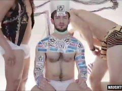 dövme eşcinsel anal ve cumshot Video