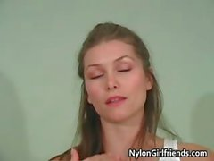 Sexy Heather Vandeven showing her part2