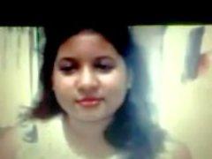 Siddheswari Collegio per ragazze di Nyma Orthy che mostra seni