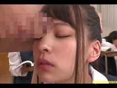 Abe Mikako Obtient Visage Massive bukkake classe continue