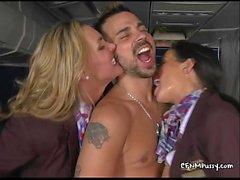 azafatas atractivas follan en el avión para complacer a su mejor custovTanyaTate02.wm