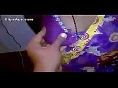 Indian женой становится ее груди подвергаются и доил видеоролик