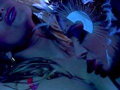Big tit pornstars blond Shyla Stylez et Nika Noir dans le sexe lesbien