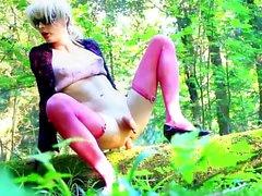Dra åt helvete i skog