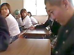 Kız öğrenci sınıfı