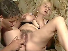 Zeer Hot Sexy Granny door TROC