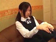Ai Uehara amador Adolescente asiático goza de seu banho