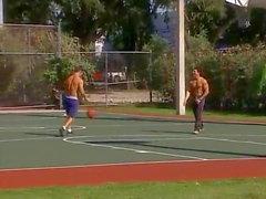 chicos musculares de verano
