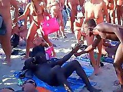 sapık eşini paylaşan kimse plaj cinsellik