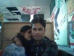 Bangladesh pojkvän och flickvän i restaurangen (1)