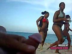 мигание на пляже