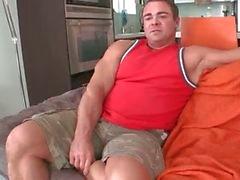 Muskulös homosexuella björnen suger stor svart bög part1