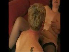 Шведские домашние большие сиськи мамаша ебет молодую шпильку