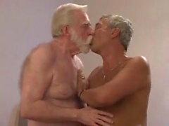 velhos cruzar N, a mata e fuckng em casa