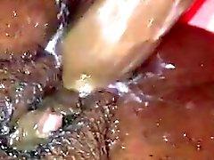 Ebony gros clito orgasim putain sa chatte voie humide crémeuse