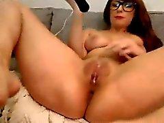 Hot Nerdy orgasmes webcam girl avec des jouets
