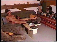 Desnuda en la cocina 3