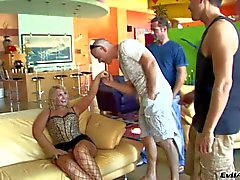 Curvy honeys Sophie Dee and Flower Tucci make guy happy