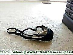 Annalisa deslumbrante morena piscando calcinha e piscando buceta e brincando buceta inserir calcinha na buceta