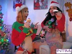 Intime Lesbians - Lauren Phillips och Jenevieve Hexxx knullar varandra