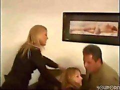 Homem , sua mulher e a babá