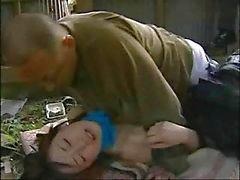 Japanse liefdesverhaal met dit kleine teen genageld door oudere man