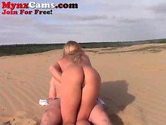 Pareja caliente webcam pareja en la playa