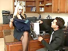 Кэгни Линн Картер : блондинка секретарь по HD!