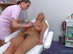 Ванессе гинеколог осмотра