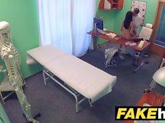 Fake Hospital Läkare tjocka dick sträcker sig varmt portugisiska