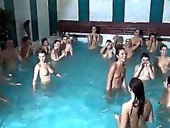 Amateur tonårs några först dags sex Innanför vatten eller outsi
