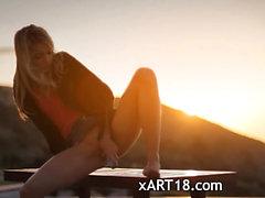 Sunset di Malibu in film presa in giro arte