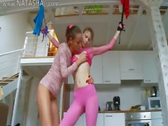 18летняя Белорусские птенцы суточные играть с игрушками
