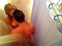 banyo altında becerdin Sıcak tatlım