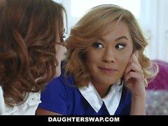 DaughterSwap - Две горячие Мамы делятся своими Би Дочери
