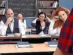 Девушки школы подросток книге отчета с педагогами взводить в ней