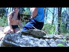 Amateur pareja al aire libre puta en la cámara