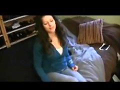 Las mujeres hacen apuestas al hombre pervertido 1 - Parte 2 En hdmilfcam
