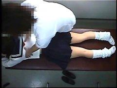 A menina asiática fodendo um cliente massagem